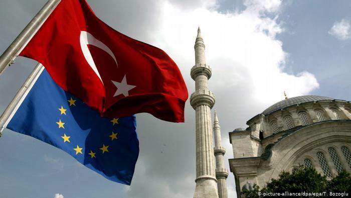 EУ ја казни Турција, за 75 отсто намалени средствата за претпристапната помош
