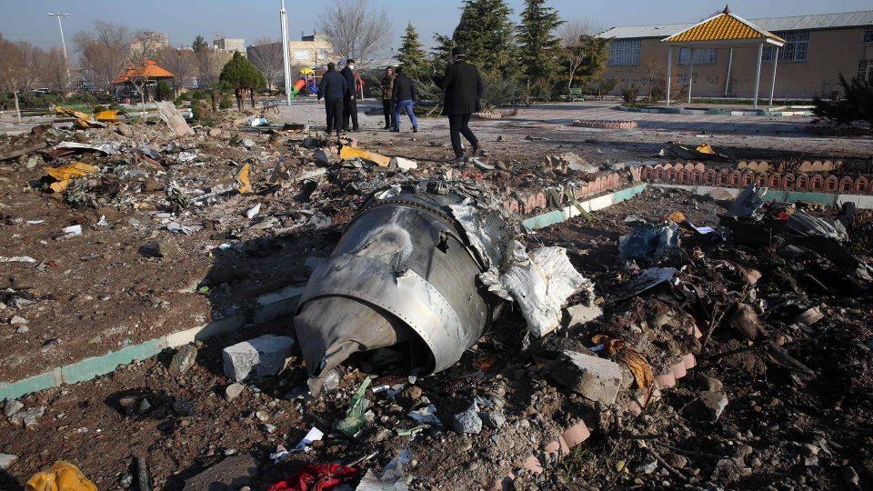Авионот бил случајно соборен од ирански ракети?