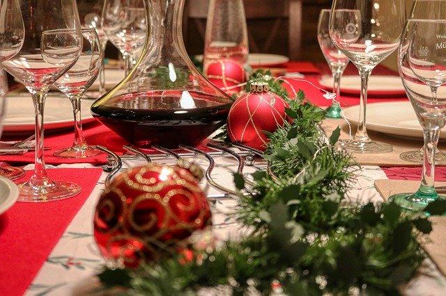 Во Шпанија на прославите за Нова година и Божик не смее да има повеќе од шест луѓе
