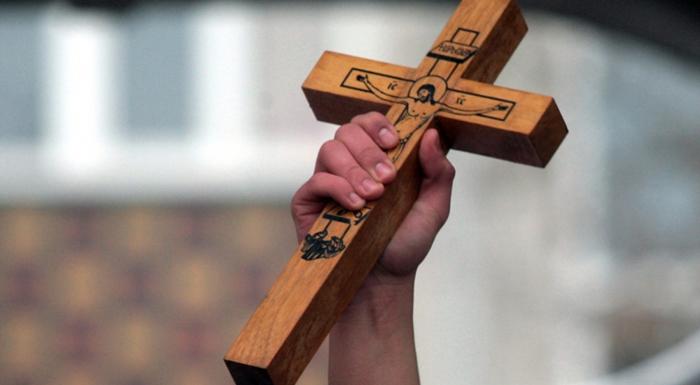 Средношколец го фати светиот крст во Дебар