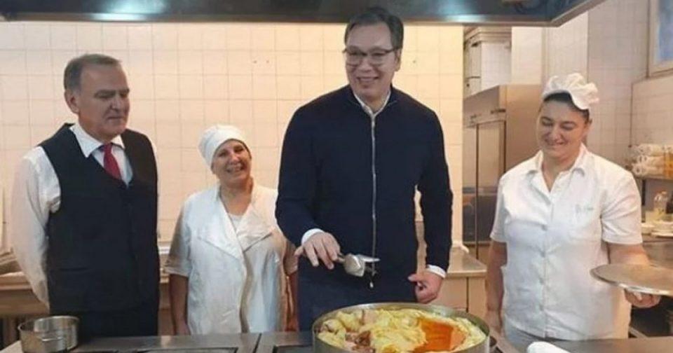 Сармата се крчка: Вака претседателот на Србија готви