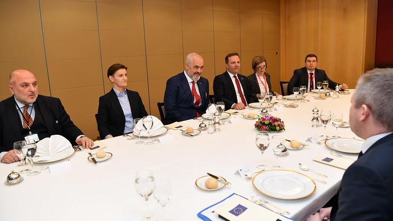 Спасовски во Брисел на средба со лидерите од Западен Балкан и еврокомесарот Вархеји