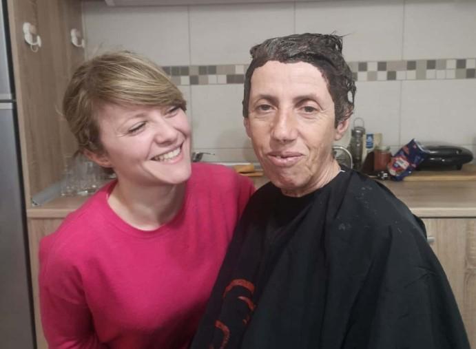 Атиџе со нова фризура заминува на Оскарите