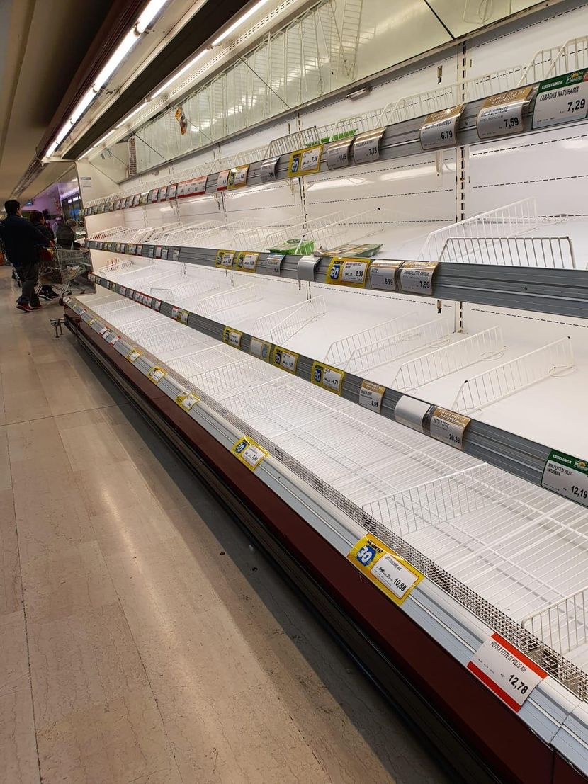 Општа паника во Италија: Полиците во маркетите празни, најмногу се купуваат тестенини и средства за хигена