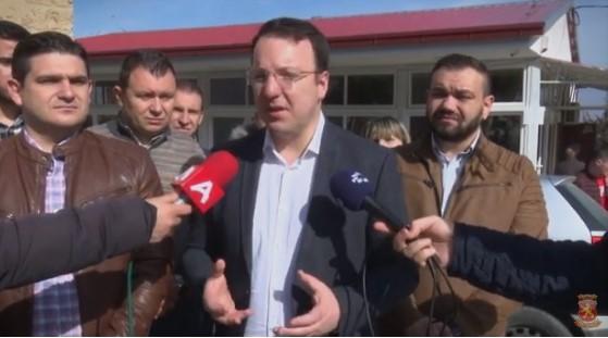 Николоски: Младите заминуваат, ситуацијата во Македонија е неодржлива, неопходна е промена