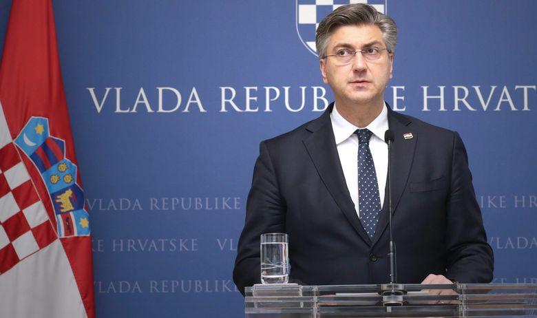 Пленковиќ си ги препиша заслугите што Македонија доби одлука за почеток на преговори со ЕУ