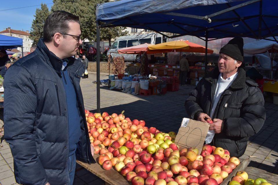 Трипуновски: Апелирам земјоделците да произведат повеќе храна, а до сите останати граѓани да го купиме тоа што е произведено на македонските ниви