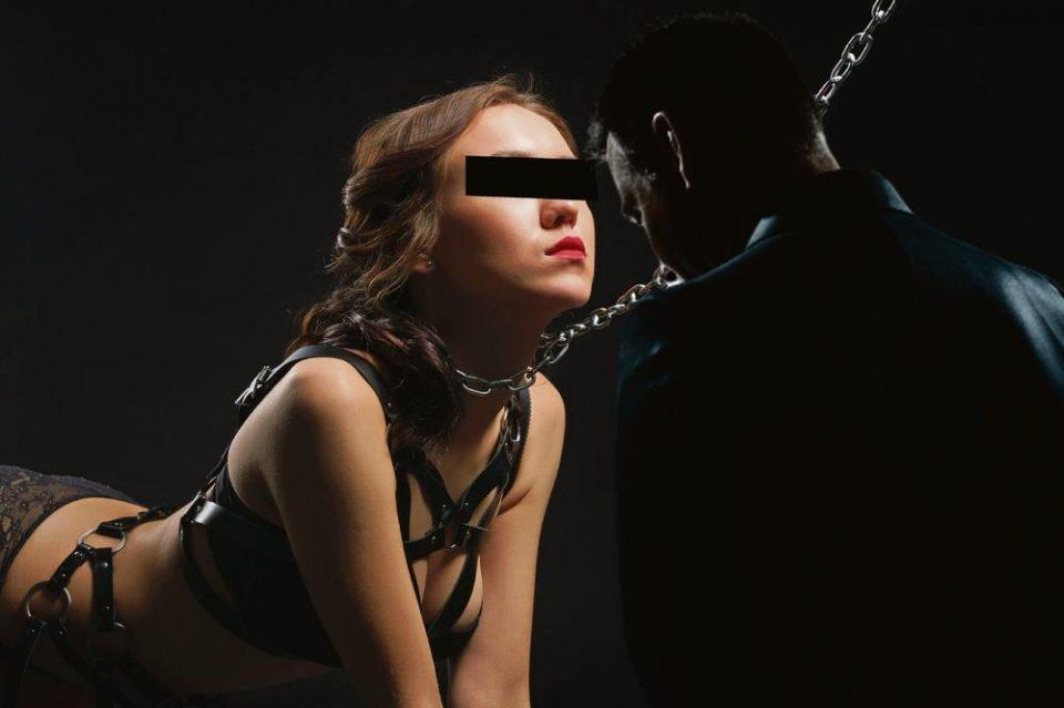 Ме водеше на ланец како куче: Сослушување на елитната секс-придружничка на Максимовиќ
