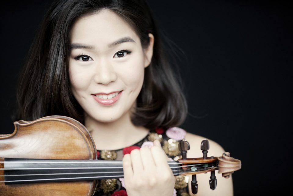"""""""Бајка""""-концерт на Македонската филхармонија и американската виолинистка Естер Ју"""