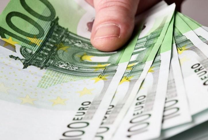Се опуштил: Приведен гостиварец што плаќал со фалсификувани евра