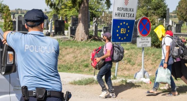 Совет на Европа: Хрватска мора да престане со насилството врз мигрантите