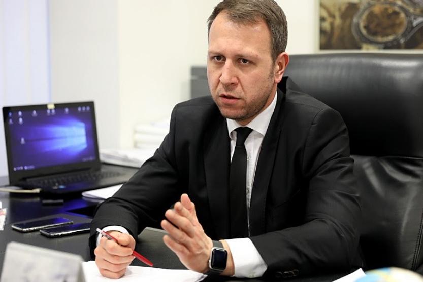 Гоце Делчев не носел кече, но покрај Манлихера, носел пенкало со кое ја менувал околината и се борел за Македонија