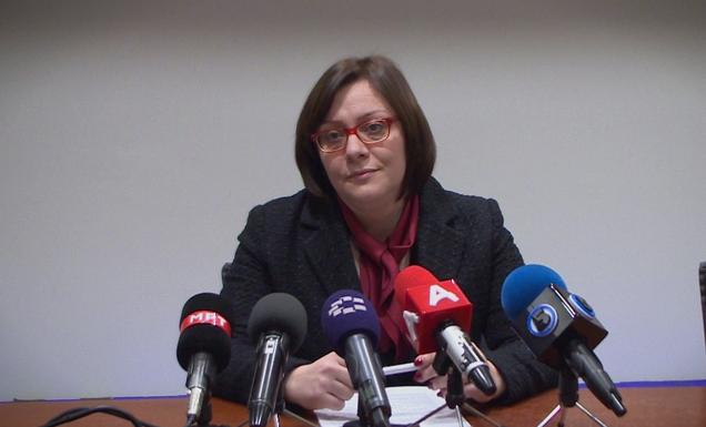 (ВО ЖИВО): Вонредна прес-конференција на Гордана Димитриеска Кочоска за пропаѓањето на Еуростандард банка