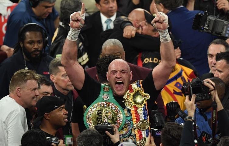 Фјури е нов крал во боксот: Го нокаутираше  Вајлдер и му ја одзеде круната