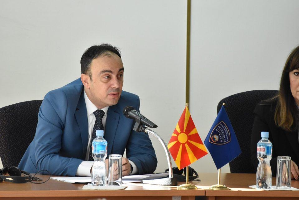 Чулев: Aко двајцата се вработените во полицијата, мерката за еден родител да е слободен важи и во МВР