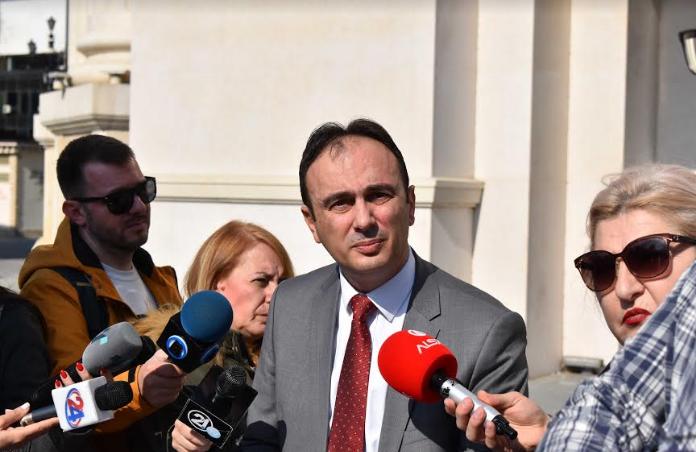 Чулев: Спасовски ја попречува работата на техничката влада и нелегално поништува одлуки