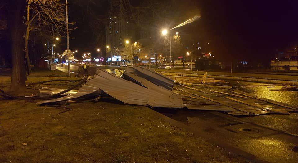 Избегнувајте шетање и паркирање под дрвја – се очекува силен ветер во Скопје