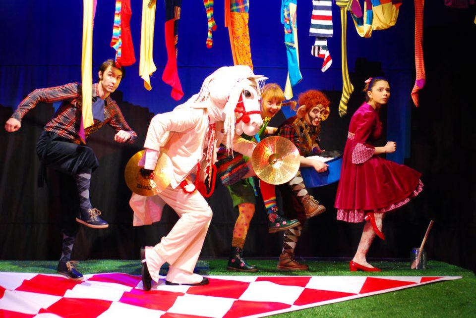 """Јубилејна 100-та изведба на """"Пипи долгиот чорап"""" на Театарот за деца и младинци"""