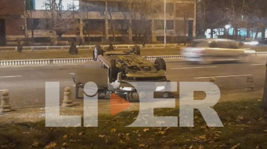 """Превртен автомобил се излизга 50 метри кај """"Бисер"""""""