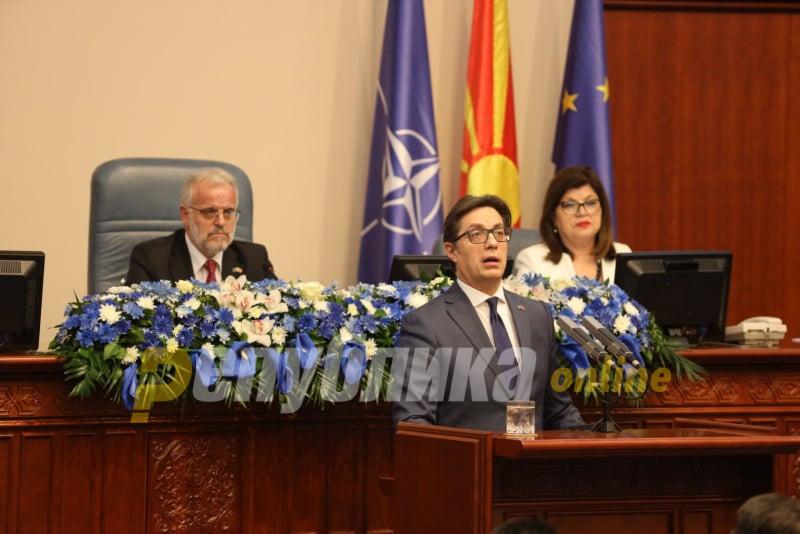 Пендаровски: Да не се лажеме, на Албанците името Македонија, и македонскиот јазик не им значи