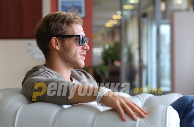 Саша Ковачевиќ приведен на аеродром