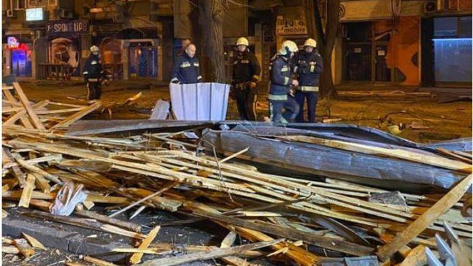 Паднати дрвја, срушени кровови – пустош низ Скопје по синоќешното невреме