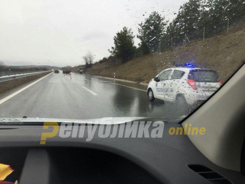 Предизвикале тешка сообраќајка бегајќи од полицијата со возило полно мигранти