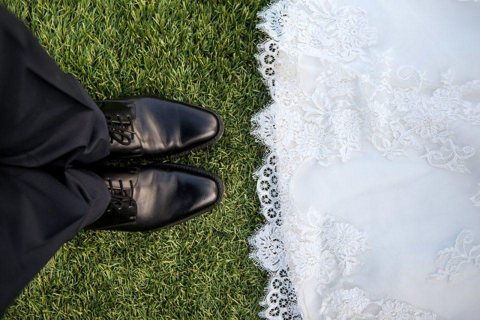 Среде епидемија велешани правеле свадба во двор