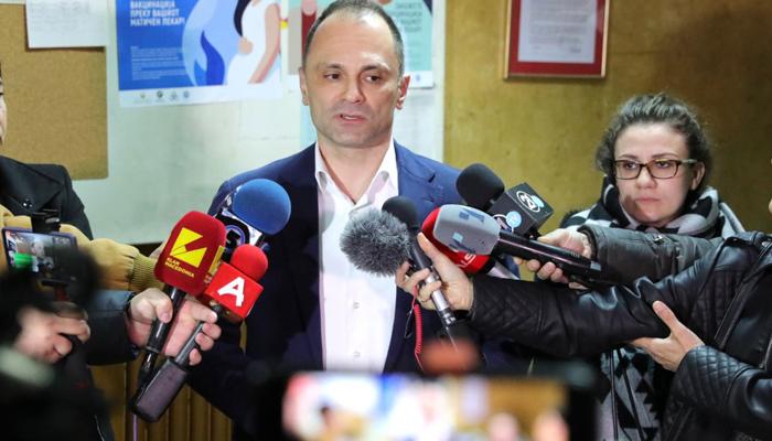 Филипче: Директорката ќе биде наградена, кивала во лакт!