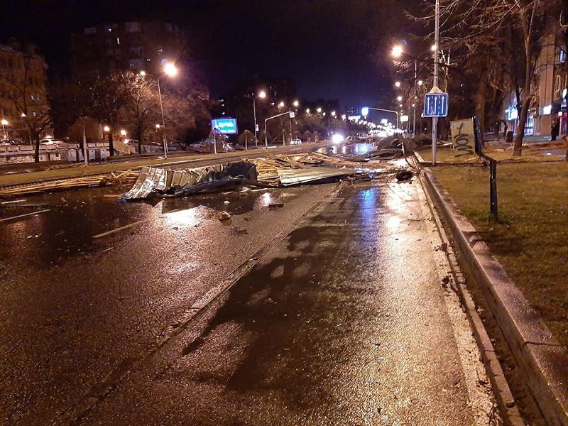 Едно лице е повредено во синоќешното невреме во Скопје