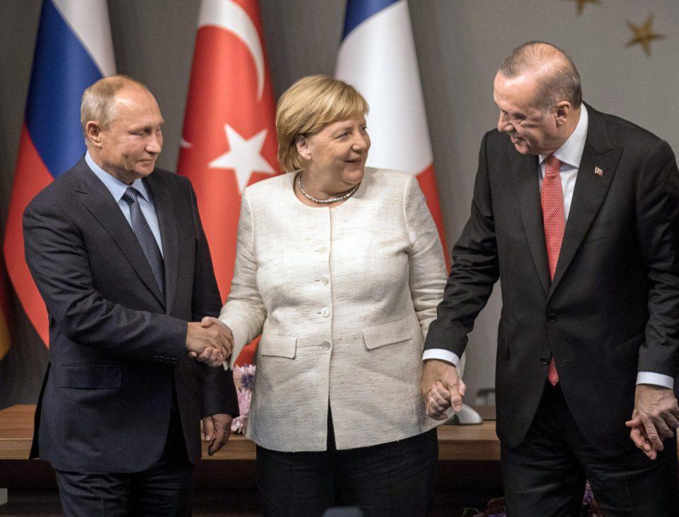 """Македонците најмногу ги """"поштоваат"""" Ердоган, Меркел и Путин"""