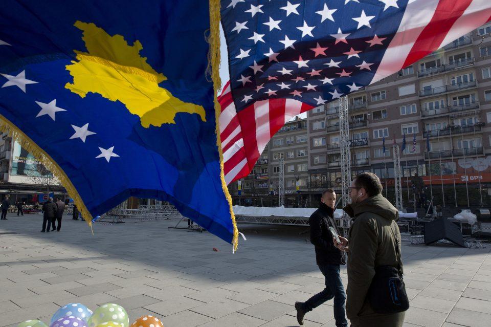 Косово се крсти во САД за договор со Србија
