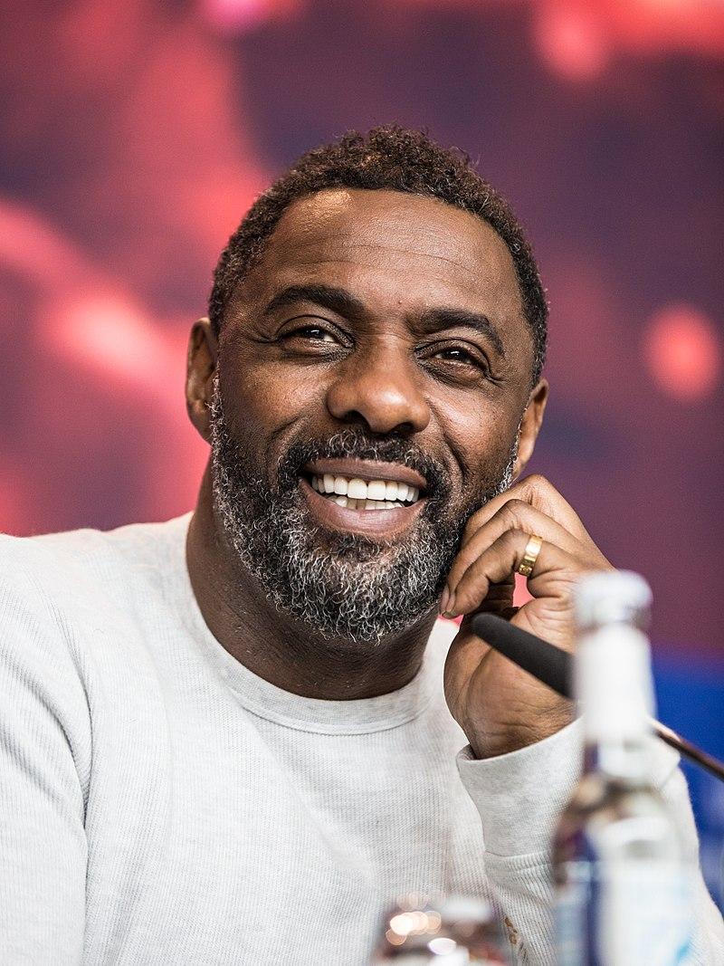 Актерот и најсекси маж на светот за 2018 е позитивен на коронавирус