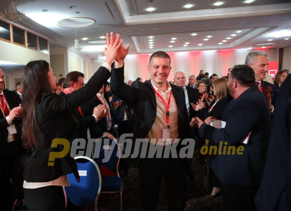 Манчевски: Намалувањето на платите е мерка за да се спаси економијата