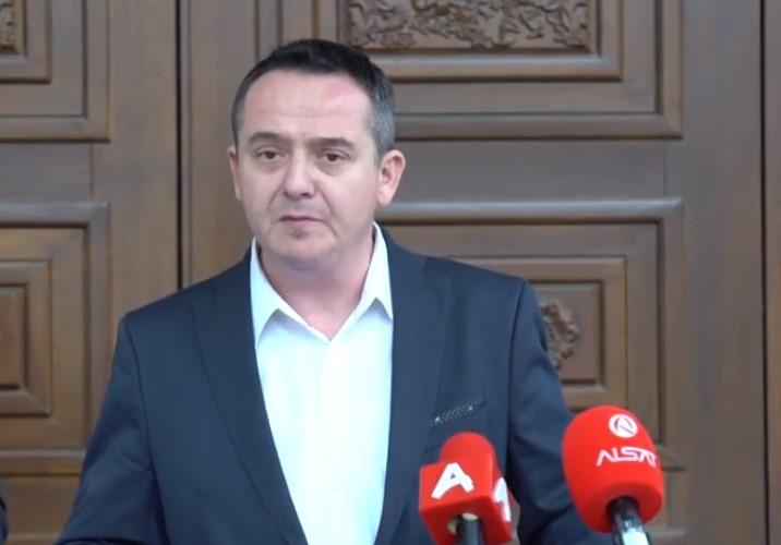 Николов: Бараме прогласување на кризна состојба, затворање на границите и наградата за службите вклучени во борбата против короната