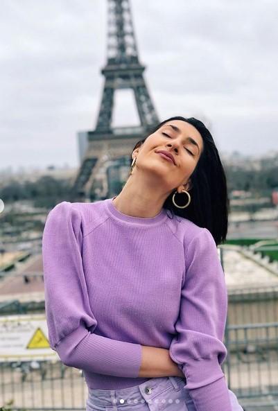 Ужива во Париз: Јелена Спенџарска не се плаши од корона