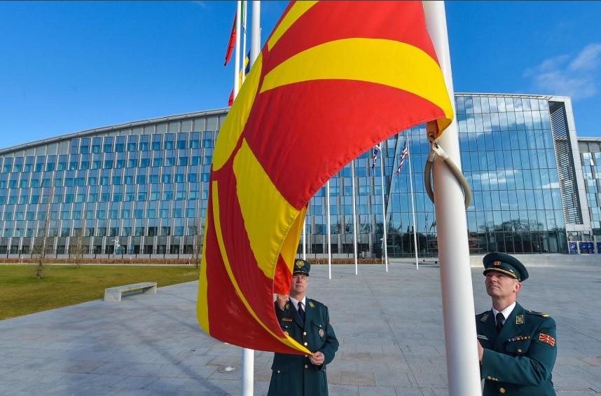 """""""Парадоксот на глупоста"""" – негативната селекција во македонското општество"""