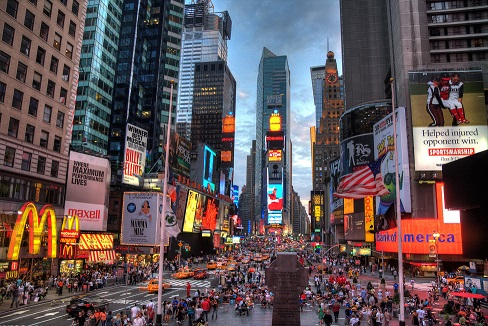 Во Њујорк и Лос Анџелес се затвораат рестораните и кафулињата