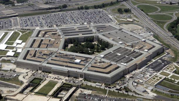 Пентагон нареди запирање на движењата на војниците на САД поради коронавирусот