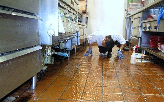 Институтот за јавно здравје направи темелна и комплетна дезинфекција на ресторанот каде Цаца предаваше на симпозиум