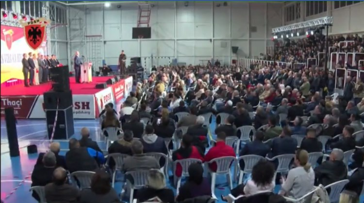 Цветанова до Спасовски: Почнете од ДПА!