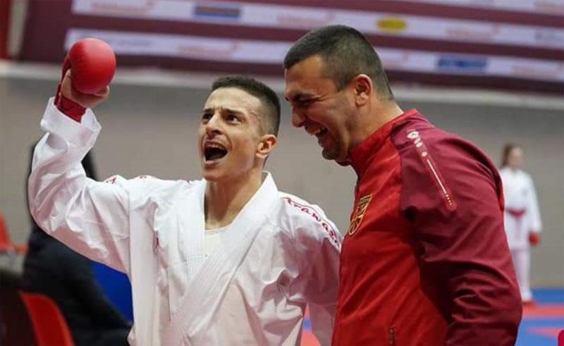 Златен медал за Емил Павлов на К1 Премиер-лигата