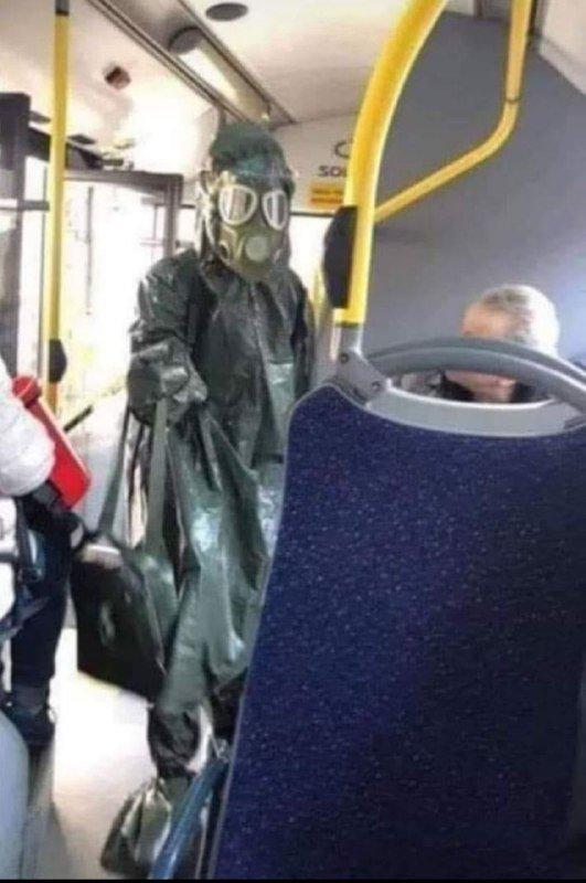 Автобуси се дезинфецираат во присуство на патници?!
