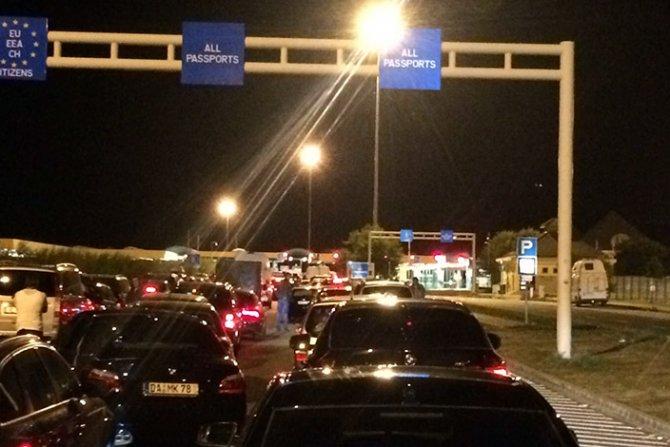 Возила со македонски граѓани заглавени во меѓуграничниот премин меѓу Унгарија и Србија