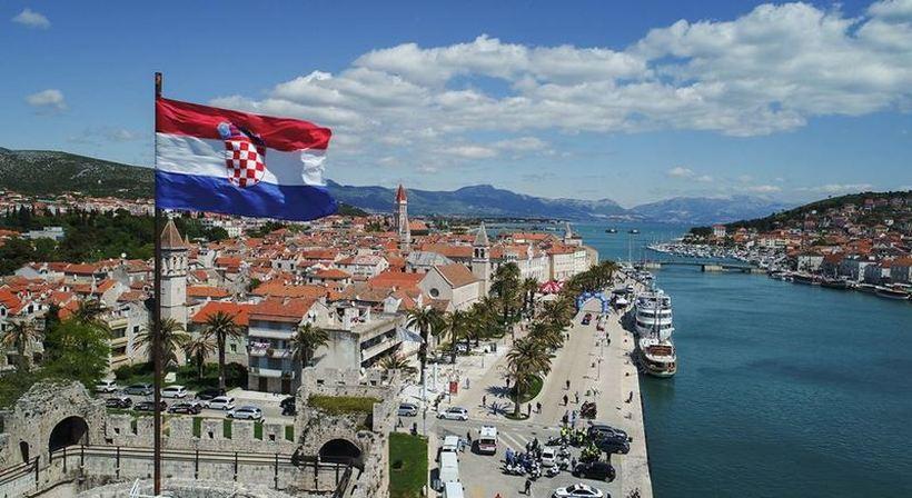 Цело хрватско Министерство за наука во самоизолација