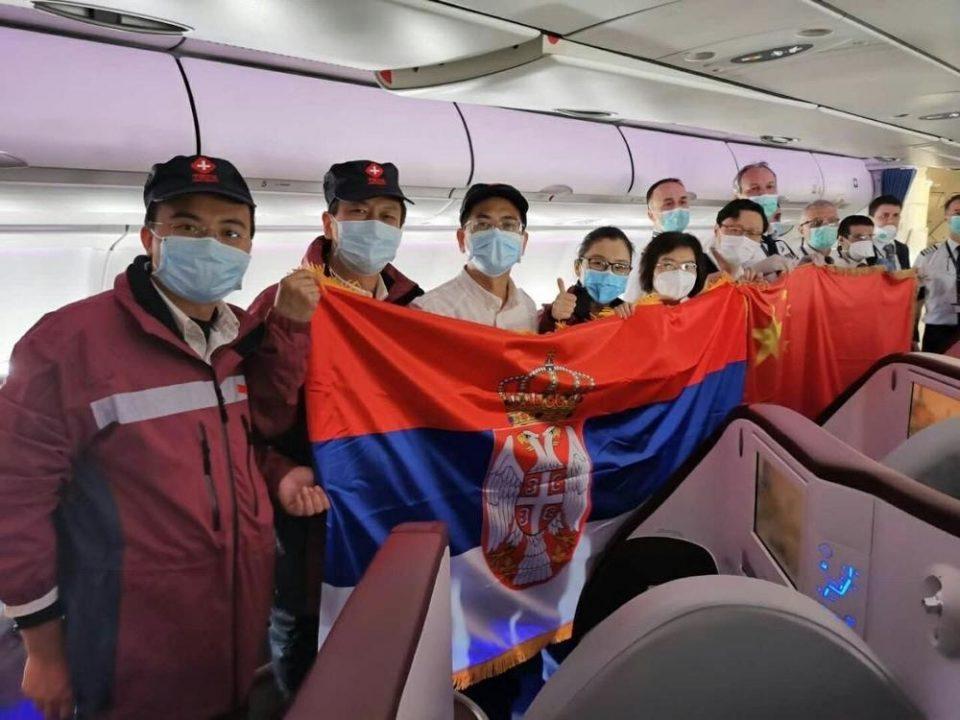 Србија го очекува авионот со лекари и медицинска помош од Кина