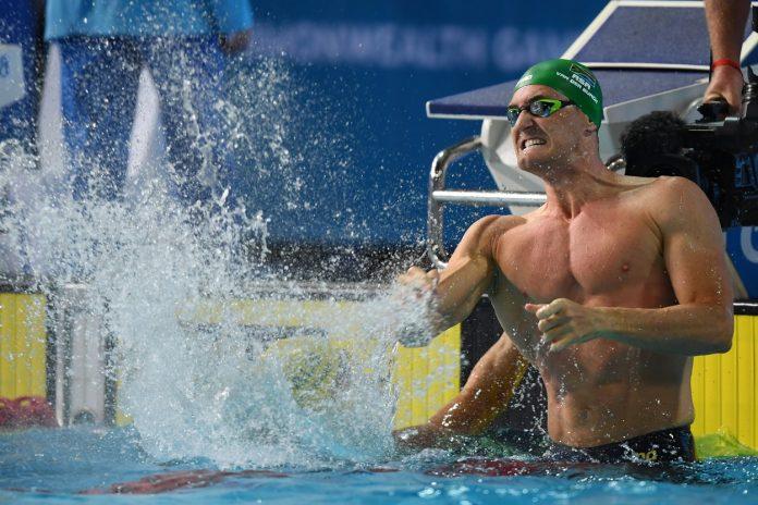 Се борам со коронавирусот. Млад сум, здрав со силни бели дробови, а се заморувам од одење, вели олимпискиот пливачки шампион Ван дер Бург