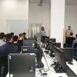 Од следната недела сите студенти во Македонија ќе учат онлајн поради коронавирусот