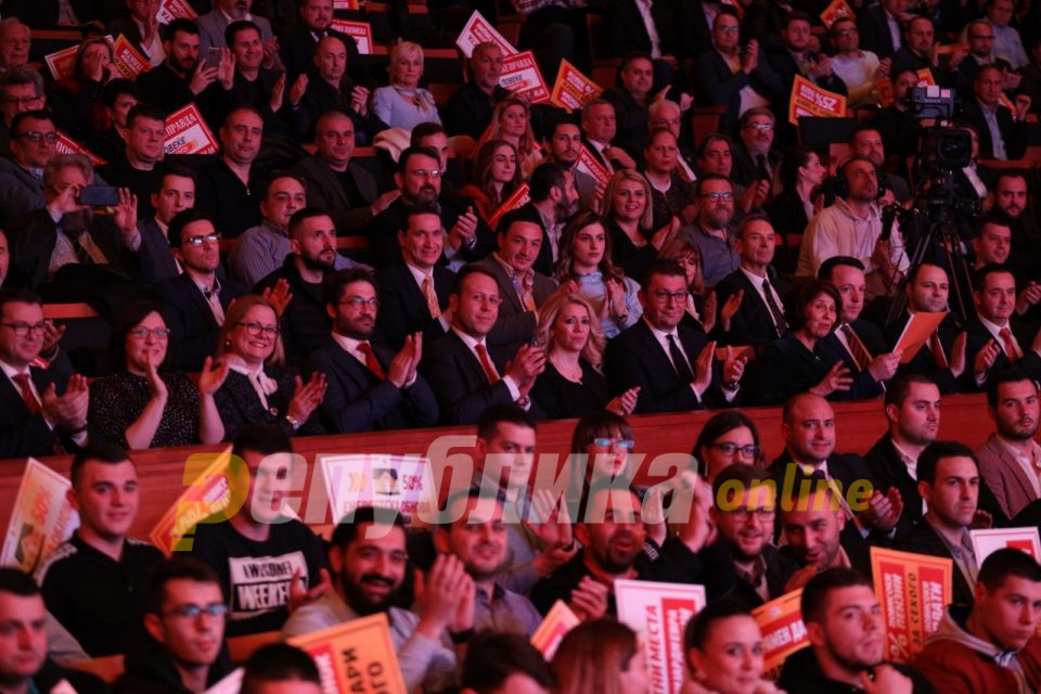 ВМРО-ДПМНЕ покажа доблест за промени, Заев и кога убедливо губеше остана со истите кадри