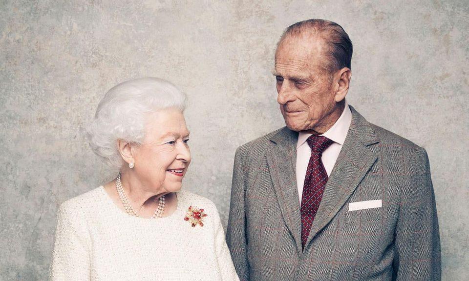 Љубовната приказна на кралицата Елизабета и на принц Филип – роднини се, ја вика колбас